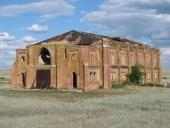 Полуразрушенный католический храм в с. Песчанное, Фотопроект